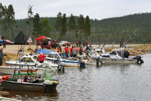 A trolling competition on Lake Rahajärvi, Inari.