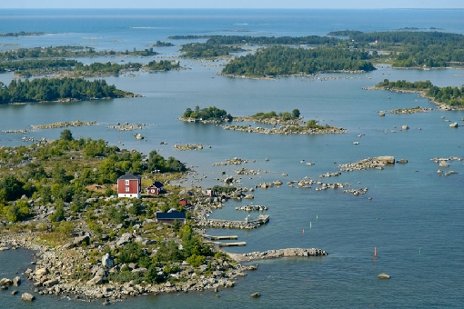 Boating is a challenge in many places in the Merikarvia Archipelago and on other coastal waters.