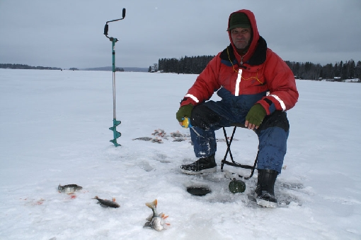 The typical ice-fishing depth is less than 5 metres on Lake Rautavesi.