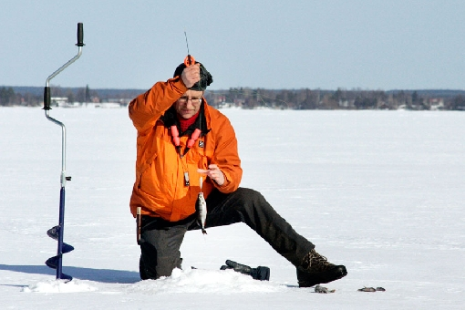In March, anglers ice-fish for sizeable perch at 3–4 metres on the edges of mid-lake shallows on Lake Lappajärvi.